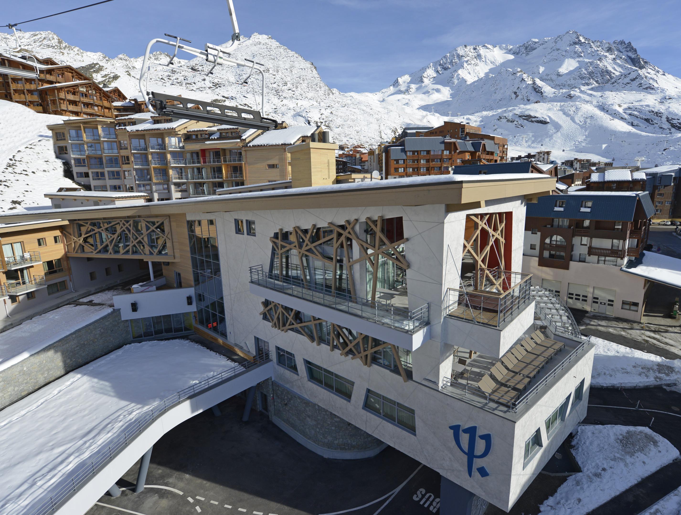 Val Thorens Ski Amp Board Holidays And Travel France