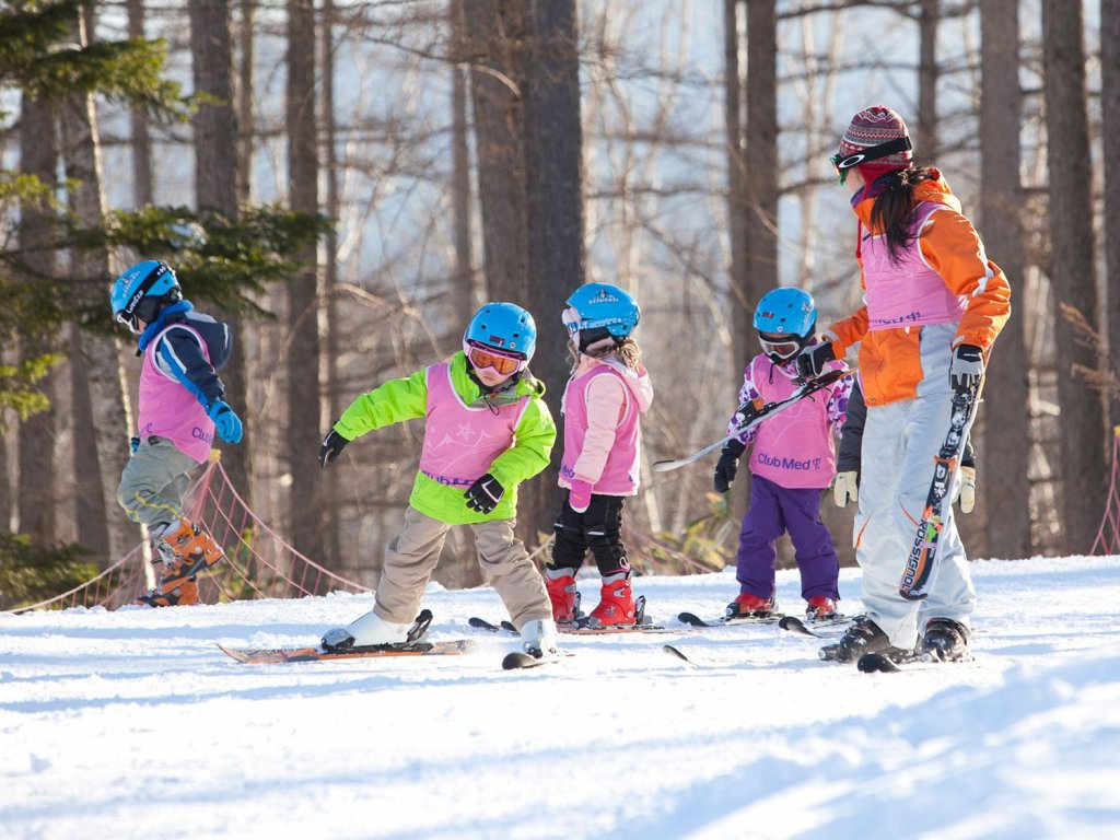 Kids ski lesson at Sahoro