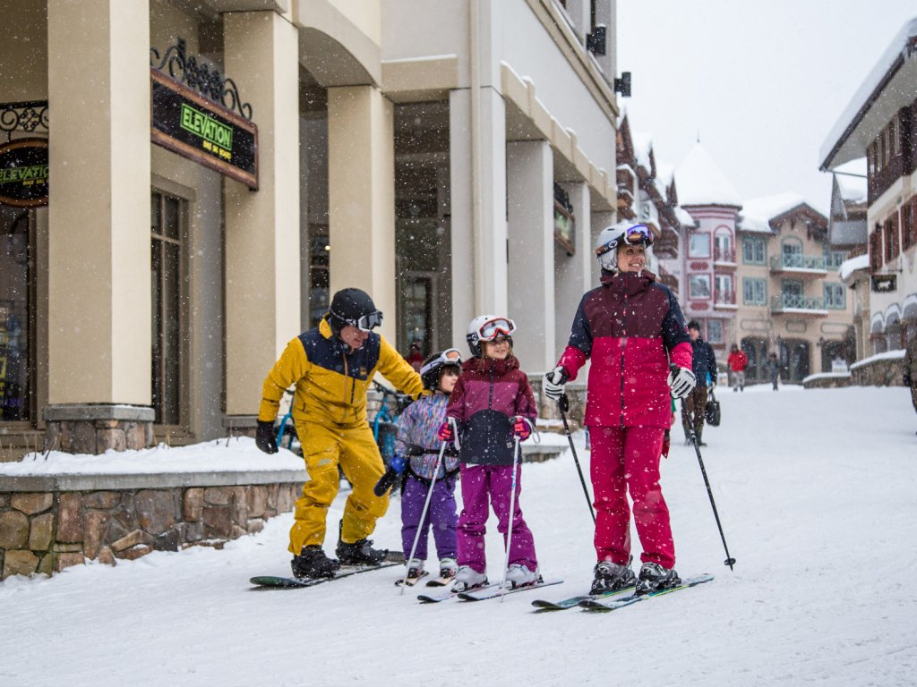Family of skiers at Sun Peaks