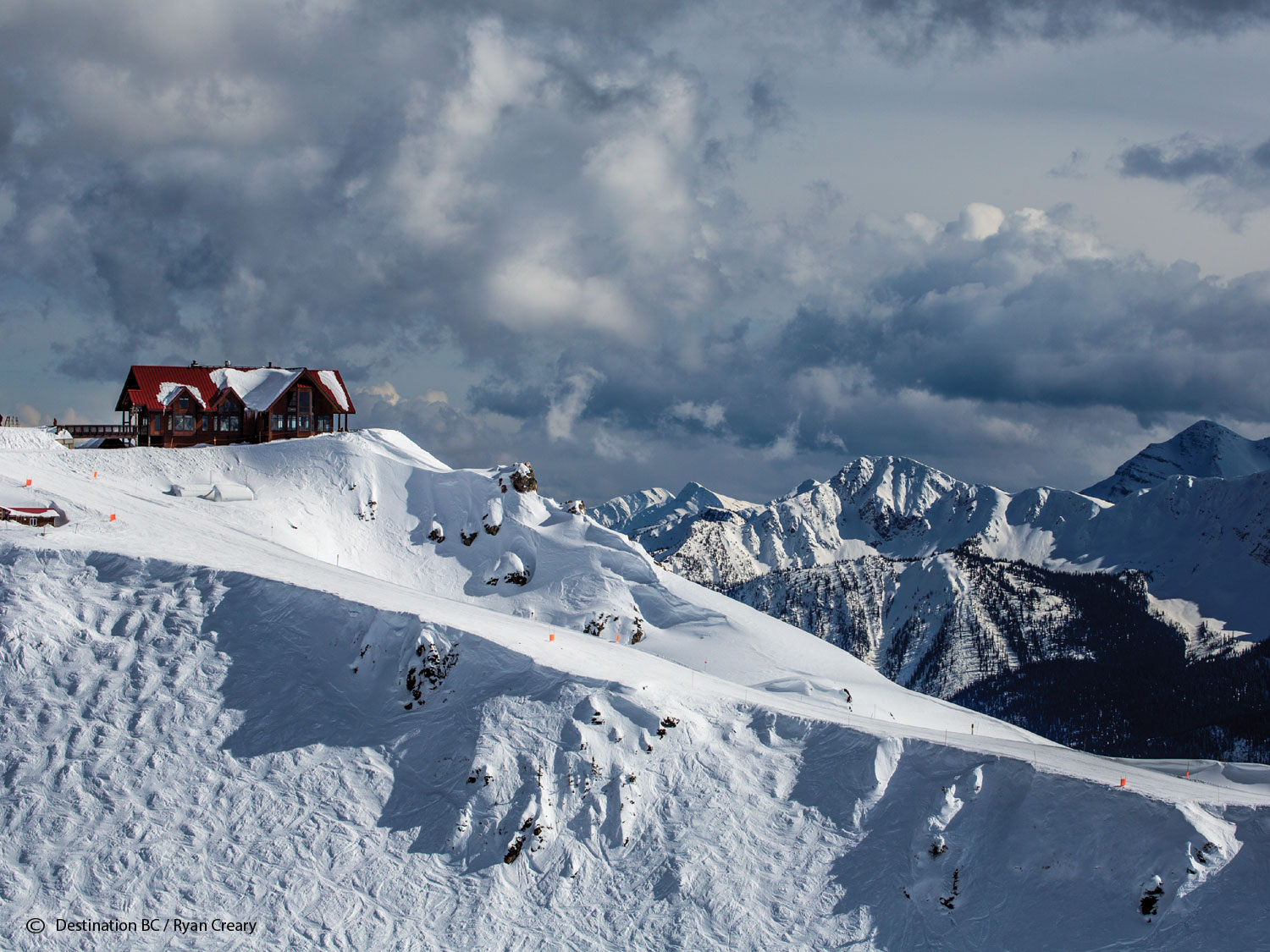 The highest elevated Restaurant in Canada