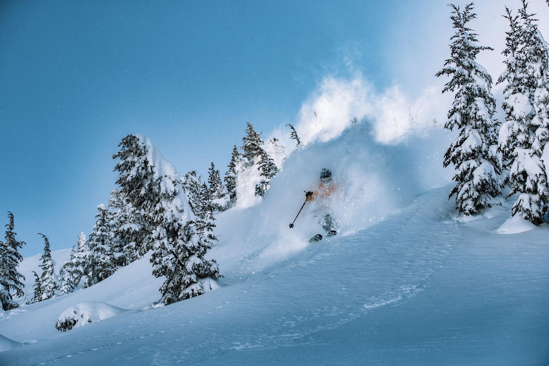 SKI Mammoth mountain USA ski holiday offer April 2019